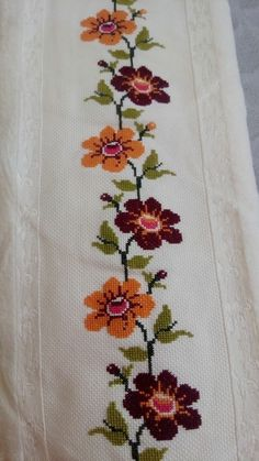 This Pin was discovered by Şen Cross Stitch Bookmarks, Cross Stitch Borders, Cross Stitch Flowers, Cross Stitch Designs, Cross Stitching, Cross Stitch Embroidery, Cross Stitch Patterns, Hand Embroidery Design Patterns, Cross Stitch Collection