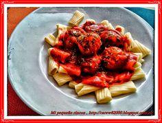 Mi pequeño rincon: Tortiglioni con albóndigas en salsa de tomate al o...