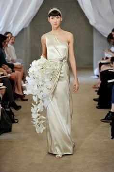 Abiti da sposa color champagne - Carolina Herrera