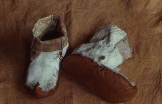 Reindeer skin all weather boots / Vedenpitävät pohjat. Inari Sami people, Lapland, Northern Finland.