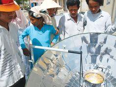 Để có thể chạy đủ cho các loại đèn, quạt, máy tính… kể cả máy lạnh, người tiêu dùng phải bỏ ra cả 500 triệu đồng cho giàn pin năng lượng mặt trời.    Đây chính là trở ngại lớn nhất để hộ gia đình lắp đặt, thay nguồn điện lưới. Nhưng, chúng ta có thể tr http://www.azoda.vn/