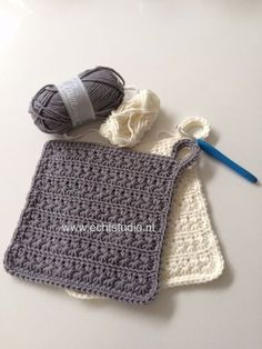 Crochet Kitchen, Crochet Home, Love Crochet, Diy Crochet, Crochet Crafts, Drops Design, Baby Mobile, Crochet Decoration, Crochet Potholders