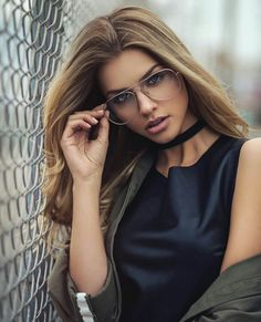 All our Marina Laswick Pictures in an Infinite Scroll Marina Laswick, Girls With Glasses, Female Poses, Portrait Inspiration, Creative Inspiration, Beauty Women, Beautiful Women, Photoshoot, Specs