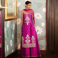 Metallic Violet Anita Dongre Suit Metallic Vivid Violet Kurta with palazzos paired with a net dupatta combines the fierce energy of red with uplifiting calm of blue. Indian Wedding Outfits, Bridal Outfits, Indian Outfits, Indian Weddings, Sharara Designs, Indian Lehenga, Indie Mode, Indian Designer Suits, Indian Designers