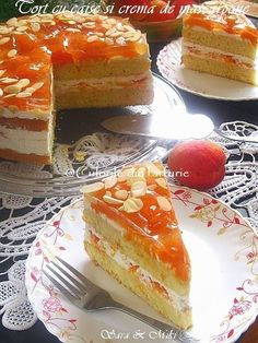 Tort cu caise si crema de mascarpone ~ Culorile din farfurie Romanian Desserts, Romanian Food, Sweets Recipes, Gourmet Recipes, Cake Recipes, Dessert Bread, Sweet Cakes, Coffee Cake, Nutella