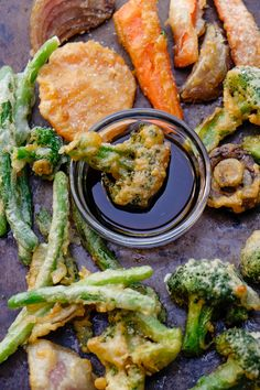 Vegetable Tempura If you have leftover vegetables in the fridge, fry them up! This Vegetable Tempura recipe is good to have in your arsenal. Veggie Tempura, Tempura Vegetables, Veggies, Sweet Potato Tempura, Tempura Sushi, Shrimp Tempura, Vegetable Recipes, Vegetarian Recipes, Cooking Recipes