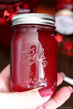 Ihr Lieben ❤️ Weihnachten ist nicht mehr soooo weit. Diese einfache Marmelade ist eine süß-herbe Mischung aus Erdbeeren und Cranberries. Ihr könnt sie jetzt schon vorbereiten und ihr habt schon ein…
