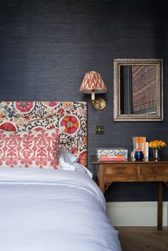 Home Decor Recibidor Dark grey grasscloth walls in English bedroom design with pattern headboard on Thou Swell Romantic Bedroom Decor, Trendy Bedroom, Home Decor Bedroom, Modern Bedroom, Gray Bedroom, Zebra Bedrooms, Bedroom Ideas, Design Bedroom, Bedroom Apartment