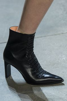 4c005f0fdd05 Dion Lee at New York Fall 2018 (Details) Silver Shoes, White Shoes,