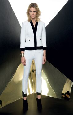 Look 09 _ 549 Jacket . 498 Trousers . 2221 Bracelet . 294P Shoes