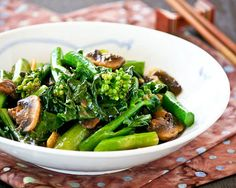 Learn the technique to cook your own tender crisp Stir Fry Gai Lan (Chinese Broccoli) with mushrooms at home. Takes only a few minutes to prepare. Mushroom Recipes, Vegetable Recipes, Vegetarian Recipes, Cooking Recipes, Vegetable Dish, Chinese Broccoli Recipe, Brocolli Recipes, Chinese Vegetables, Asian Recipes