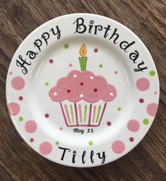 Pink cupcake Personalized Hand Painted Birthday Plate or Special Occasion Plate Painted Ceramic Plates, Hand Painted Ceramics, Ceramic Painting, Decorative Plates, Painted Pottery, Diy Craft Projects, Crafts For Kids, Kid Projects, Clay Projects