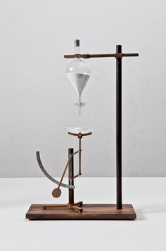 Relativitimepieces by designer Mieke Meijer. A series of conceptual, low-tech objects, resembling pre industrial revolution engineering, made to measure time. Sand Timers, Cabinet Of Curiosities, Mobile Art, Kinetic Art, Magazine Design, Interiores Design, Industrial Design, Chemistry, Design Inspiration