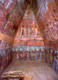 Bonampak - Maya archaeological site, located in the Mexican state of Chiapas. Tomb Mural -- Circa CE -- Excavated at the Mayan Archaeological site of… Mayan Ruins, Ancient Ruins, Ancient History, Ancient Greek, Fresco, Places Around The World, Around The Worlds, Art Ancien, Inka