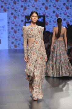 Saree Styles, Blouse Styles, Blouse Designs, Bridesmaid Saree, Indian Bridesmaids, Indian Dresses, Indian Outfits, Lehenga Saree Design, Modern Saree