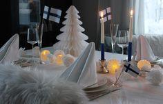 Suomi 100 kattausta Table Settings, Table Decorations, Furniture, Home Decor, Decoration Home, Room Decor, Place Settings, Home Furnishings, Home Interior Design
