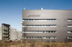 L-architects. Office building in Finland. EQUITONE facade materials. equitone.com