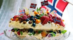 no - Finn noe godt å spise Pavlova, Norwegian Food, Norwegian Recipes, Baking Recipes, Cake Recipes, Public Holidays, Recipe Boards, Something Sweet, No Bake Cake