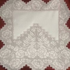 (1) Gallery.ru / Фото #72 - 37 - ergoxeiro Crochet Borders, Filet Crochet, Holiday Crochet Patterns, Romanian Lace, Linens And Lace, Cross Stitch Embroidery, Tablecloths, Crocheting, Knitting And Crocheting