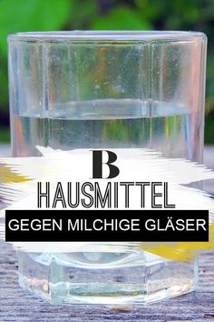 Milchige Gläser: Diese Hausmittel verschaffen neuen Glanz Milky glasses - tips for a new shine. After a few rinses, glasses become cloudy. BUT: You can get milky glasses shiny clean again with a few tricks. # home remedies up Tips And Tricks, Whatsapp Tricks, Girl Life Hacks, Green Cleaning, Wasting Time, Drinking Water, Clean House, Own Home, Home Remedies