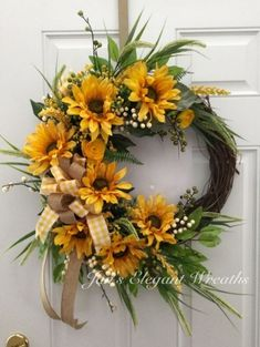 Pretty Summer Wreath Decor Ideas For Front Door - COODECOR When most of us think of front door wreaths we think circle, evergreen and Christmas. Wreaths come in all types … Wreath Crafts, Diy Wreath, Grapevine Wreath, Wreath Bows, Wreath Burlap, Heart Wreath, Wreath Ideas, Yarn Crafts, Wreaths For Front Door