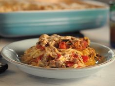 "Baked Spaghetti (Make-Ahead Meals) - Trisha Yearwood, ""Trisha's Southern Kitchen"" on the Food Network. Casserole Spaghetti, Baked Spaghetti, Spaghetti Recipes, Spaghetti Squash, Pasta Recipes, Spaghetti Pie, Dinner Recipes, Cowboy Spaghetti, Dinner Ideas"