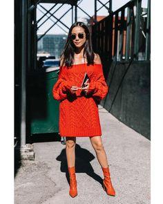 "3,922 Gostos, 9 Comentários - Style Sight WorldWide (@stylesightworldwide) no Instagram: ""#newyorkfashionweek @nyfw | @yoyokulala @collagevintage2 @voguespain #streetstyle #streetfashion…"""