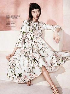 Fashion editoriale | Fei Fei Sun di Sharif Hamza per Vogue China maggio 2014 - The Glam Pepper