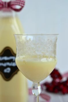 Limoncello, Diy Food, Glass Of Milk, Vodka, Lidl, Food And Drink, Pudding, Favorite Recipes, Drinks