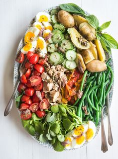 There& way more to French cuisine than beef bourguignon and coq au vin. French Salad Recipes, Easy French Recipes, Salad Recipes For Dinner, Healthy Salads, Healthy Eating, Healthy Recipes, Nicoise Salad, Salade Nicoise Recipe, Tuna Salad