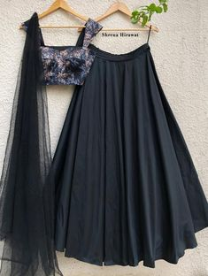 Indian Gowns Dresses, Indian Fashion Dresses, Indian Designer Outfits, Floral Skirt Outfits, Black Skirt Outfits, Floral Blouse, Floral Bustier, Black Bustier, Lehnga Dress