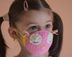filter pocket crochet face mask pattern, children size years old, pink crochet mask pattern, owl crochet mask, Crochet Tutu, Crochet Yoke, Crochet Mask, Crochet Faces, Diy Crochet, Crochet Patterns, Half Double Crochet, Single Crochet, Baby Romper Pattern