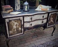 How cool is this Annie Sloan transformation! 'A regency style and very ordinary dresser has been transformed into a very theatrical french piece. Gold leaf , french nudes and a serious amount of distressing to the wood certainly added drama'  Thanks for sharing Rebecca Heyes - check out Rebecca's FB page for more cool stuff https://www.facebook.com/throughthe.lookingglass.7?fref=ts