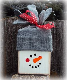 Ideas For Diy Wood Christmas Crafts Wooden Snowmen Snowman Christmas Decorations, Christmas Wood Crafts, Christmas Snowman, Christmas Projects, Holiday Crafts, Christmas Holidays, Christmas Ornaments, Christmas Signs, Christmas Trees