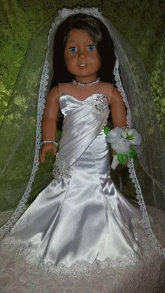 Elfenbein Passform und Flare Brautkleid mit von NormasSpecialDays