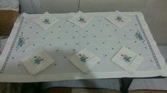 Yemek masası ve 6 peçete  250-300