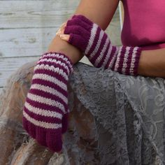Knit fingerless gloves cyclamen light pink by #socksandmittens #fingerlessgloves #striped gloves #womensgloves