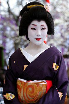 Geiko Ichiteru of Kamishichiken