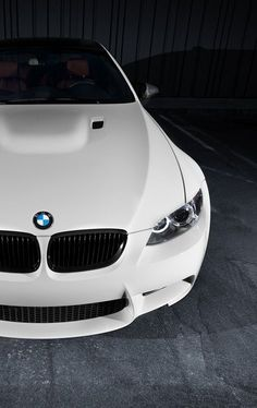 Looks awesome in white... is it an M3?