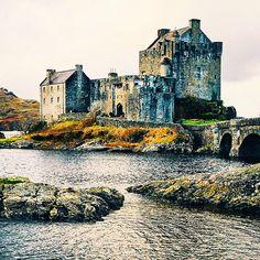 The stately Eilean Donan Castle, Scotland. Photo courtesy of readysetjetset on Instagram.