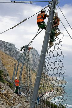 Rope Access geotechnical job in Gibraltar Underwater Welding, Geotechnical Engineering, Rope Training, Oil Platform, Climbing, Photo Galleries, Gallery, House, Business