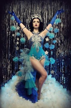 The World's Biggest & Best Burlesque Festival Returns for a Year. Visit London's Home of Burlesque Today and Save up to on Tickets. Burlesque Vintage, Burlesque Outfit, Burlesque Corset, Burlesque Show, Burlesque Costumes, Dance Costumes, Burlesque Clothing, Showgirl Costume, Bollywood