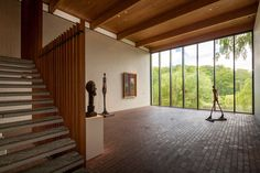 Mid Century Modern Architecture - Nice Space to Display Paintings and Sculpture. Are those Giacometti? Modern Architecture House, Landscape Architecture, Interior Architecture, Landscape Design, Gallery Of Modern Art, Museum Of Modern Art, Louisiana Museum, Danish Interior, Mid Century House