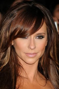 Jennifer Love Hewitt hair color! Rich brown, red brown, with peek-a-boo carmel highlights.
