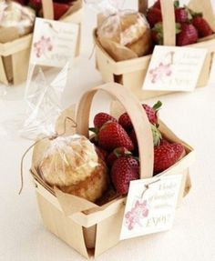Berry Basket favors (berries and scones) for a party, picnic or just because- adorable! Farm Wedding, Wedding Blog, Wedding Day, Diy Wedding, Wedding Gifts, English Wedding Favors, Afternoon Tea Wedding Reception, Perfect Wedding, Wedding Picnic