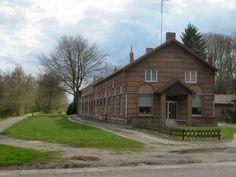 Fietsroute - Over het Belse Lijntje ~ Fietsenwandelweb.nl Cabin, House Styles, Outdoor Life, Biking, Boats, Cycling, Home Decor, Outdoor Living, Decoration Home