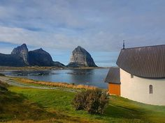 Træna Norway  . . . . . . . . . . . . . . #træna #helgelandskysten #northofnorway #bestofnorway #visitnorway #norway2day #norgebilder #dreamchasernorway #ilovenorway #mittnorge #europe_greatshots #europe_gems #earthputdoors #europetravel #earthfocus #world_great #withgalaxy #wms_europe #wanderlusters #Yallerseurope #urbanocity #Vivoartworld #vacation #viajero #visiting #liveauthentic #love_cityscapes #letsguide #loves_trips #loves_world