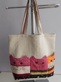 Bag with cat pockets / seller Patchwork.mirka - Bag with cat pockets / seller Patchwork. Patchwork Bags, Quilted Bag, Crazy Patchwork, Patchwork Designs, Bag Patterns To Sew, Sewing Patterns, Bag Quilt, Cat Bag, Fabric Bags
