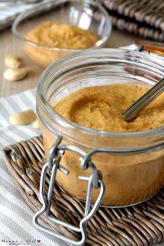 Il Pesto di fagioli cannellini e anacardi è un pesto molto nutriente, velocissimo da preparare. Ideale per condire la pasta o da mangiare con il pane