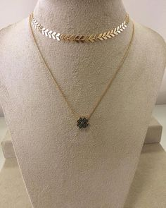Layered Jewelry, Trendy Jewelry, Fashion Jewelry, Neck Accessories, Jewelry Accessories, Vampire Diaries Jewelry, Cute Necklace, Jewellery Storage, Women's Earrings